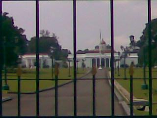 gerbang istana bogor